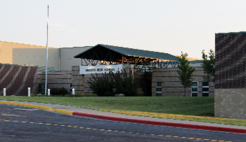 Photograph of the exterior of De Soto High School